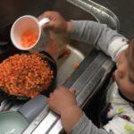 汚れものの中でスープを作られていた!